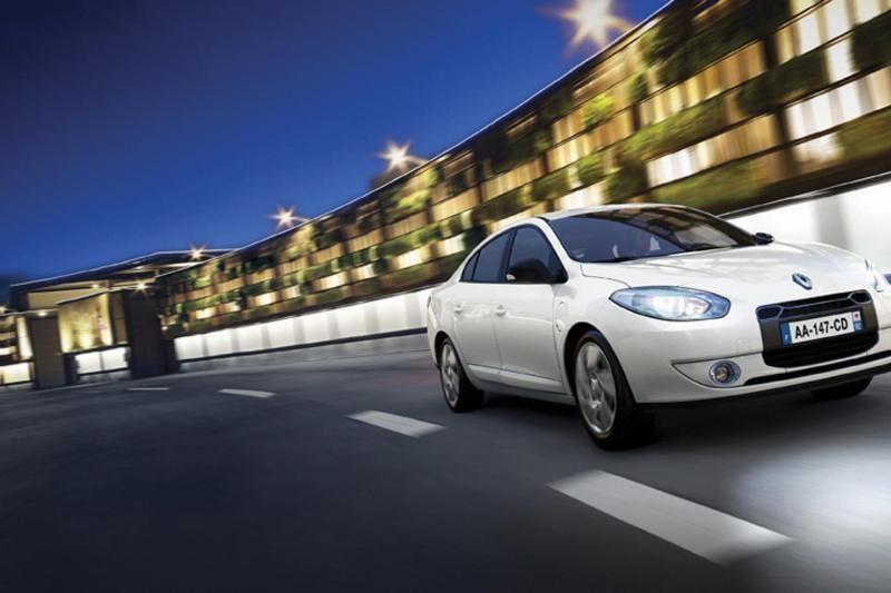 """Elektromobilių nuomos sistema """"Twizy way"""" iš """"Renault store"""""""