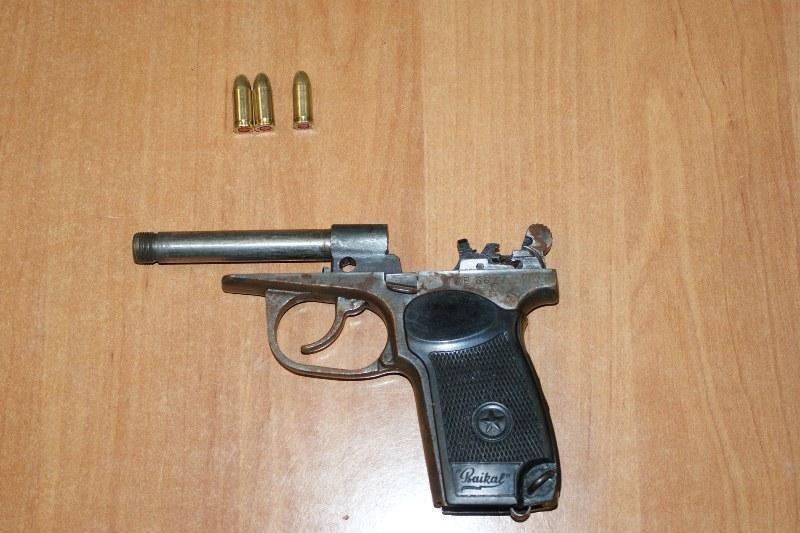Mėginimas į Airiją išsivežti pistoletą lietuviui kainavo 13 tūkst. Lt