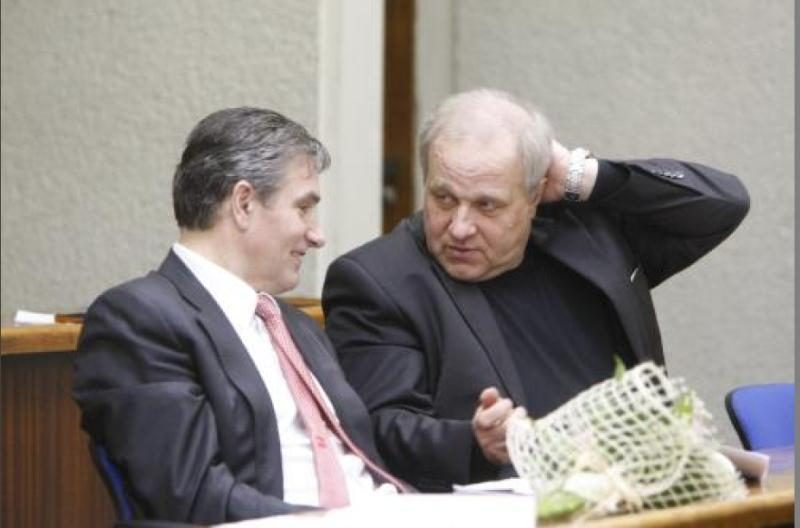 Klaipėdos vicemeras miesto tarybos posėdyje prekiavo bilietais