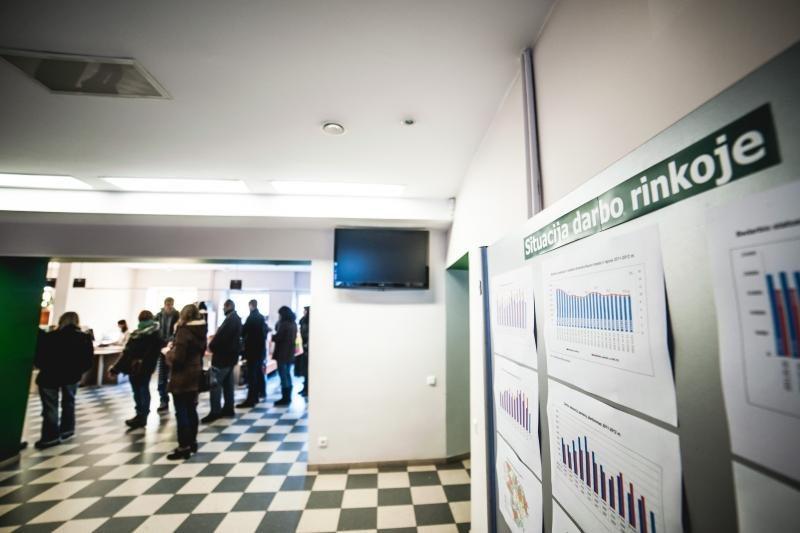 Oficialių bedarbių Lietuvoje – per 210 tūkstančių
