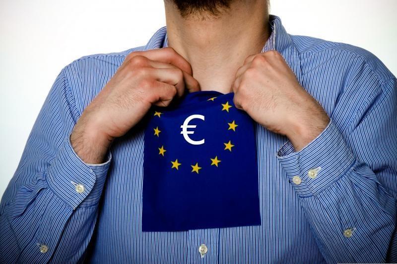 Euro zona valstybių finansinę naštą siekia užkrauti investuotojams