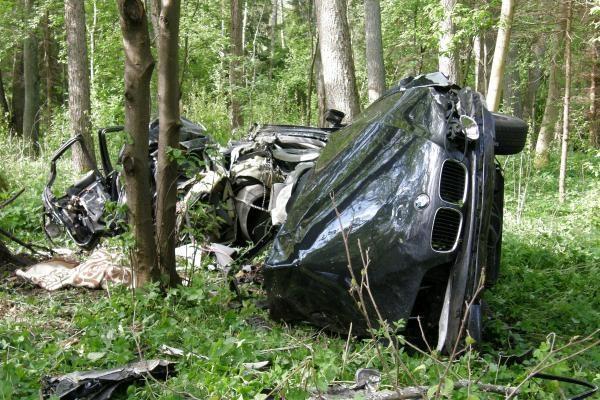 Kelyje į Girulius žuvo du žmonės (papildyta 14.43 val.)