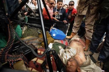 Kadhafi pajėgos įžengė į Bengazį