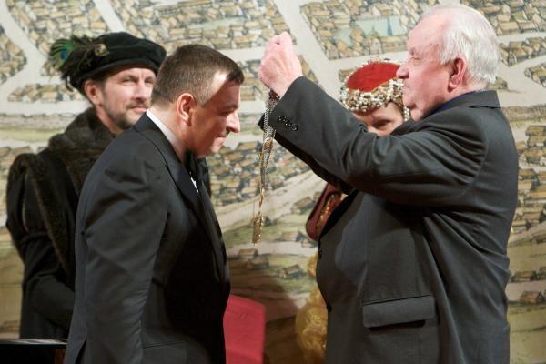 V.Navickas inauguruotas dvigubai pigiau už J.Imbrasą