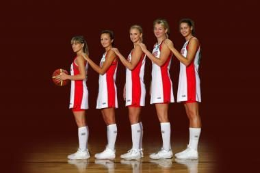 """Krepšininkės žais vilkėdamos """"Tūtos"""" sukneles"""