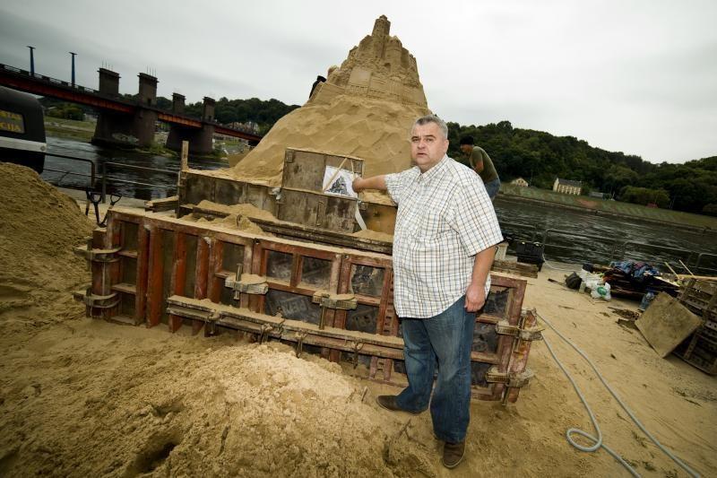 Hanzos šventė artėja: krantinėje kyla įspūdinga smėlio skulptūra