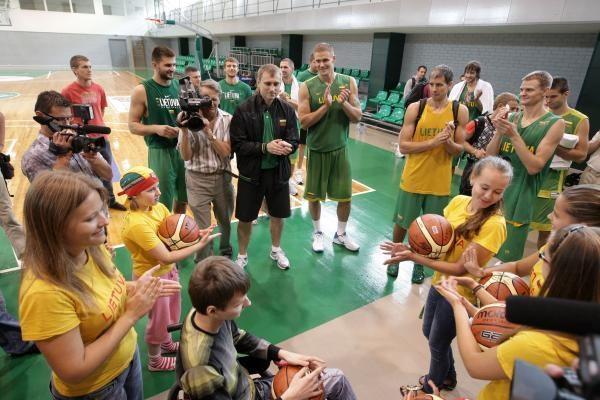 Krepšininkų širdis šildė ligą įveikę vaikai