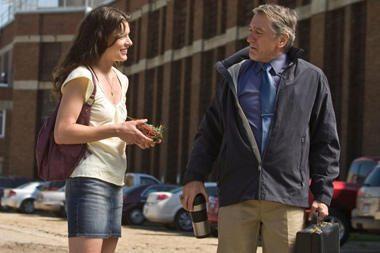 Milla Jovovich džiaugiasi darbu su Robertu De Niro