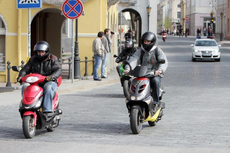 Žemaitijos baikeriai sezoną pradėjo paradu uostamiesčio gatvėmis
