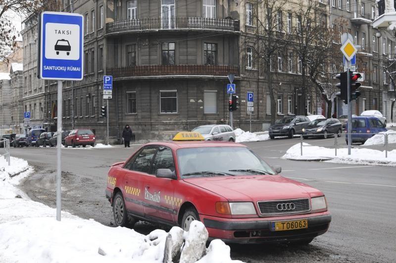 Vilniaus taryba taksistus laikinai atleido nuo rinkliavos