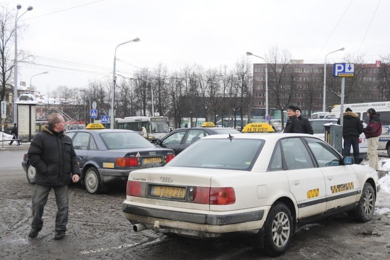 Taksi verslas paklūsta džiunglių įstatymams