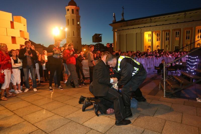 Koncerte prie Katedros neapsieita be incidentų