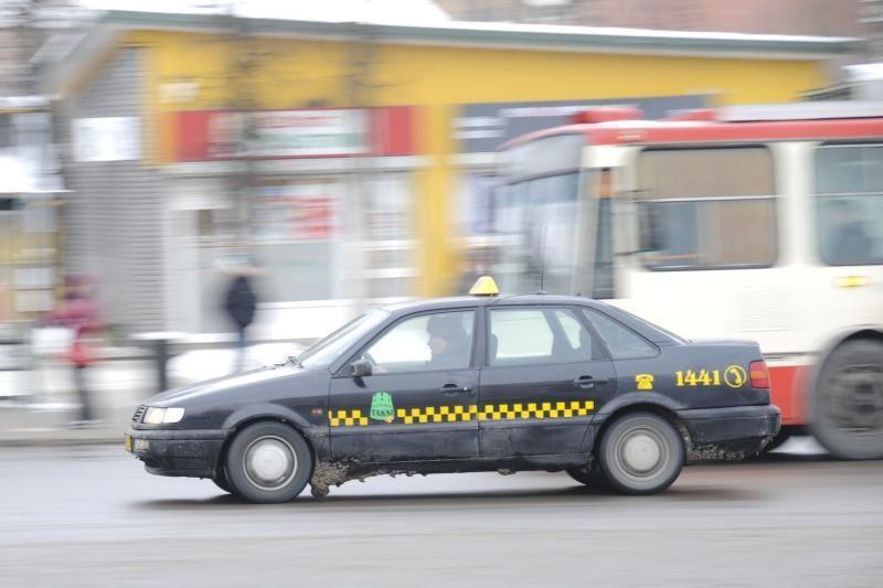 Taksistai turės registruoti taksometrus ir pildyti apskaitos žurnalus