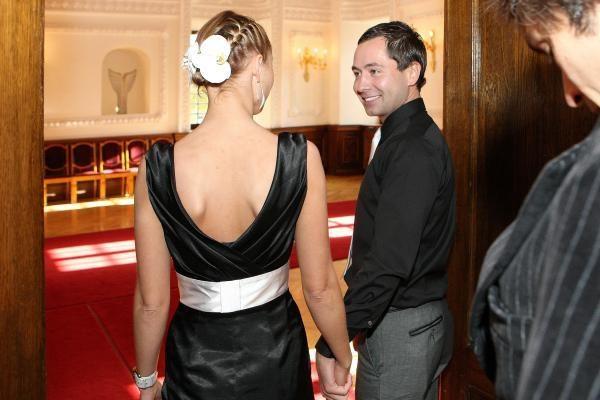 Antrąsias vestuves A.Dautartas šventė lovoje