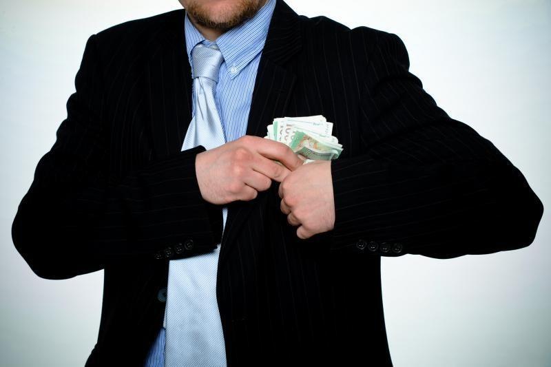 Sukčių pasakomis patikėjusios kaunietės prarado pinigus