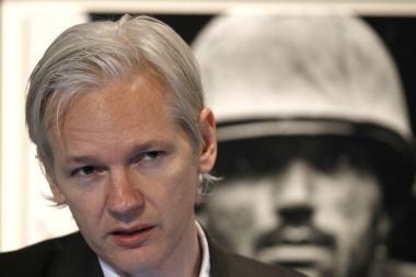 Britanija ir kelios kitos šalys žino J.Assange'o buvimo vietą