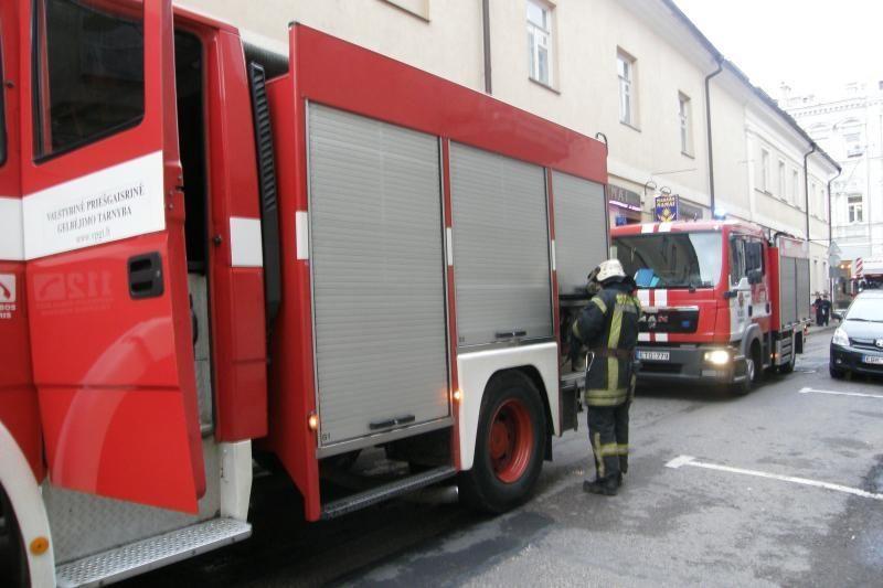 Vilniaus mokykloje kilęs gaisras užgesintas, pamokos nebevyks