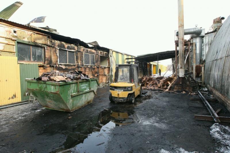 Kaune gaisras nuniokojo medžio apdirbimo įmonę