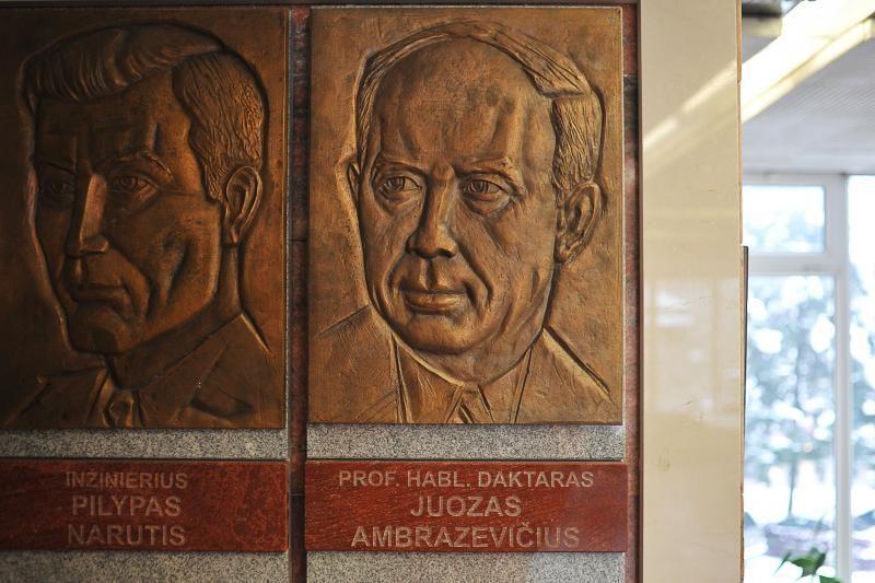Ruošiantis J.Brazaičio perlaidojimui, 1941-ųjų vyriausybei – kritika