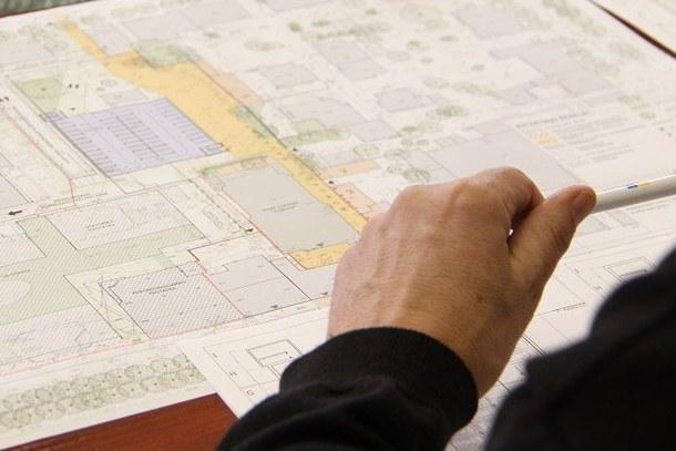 Centre planuojama statyti daugiaaukštę automobilių stovėjimo aikštelę