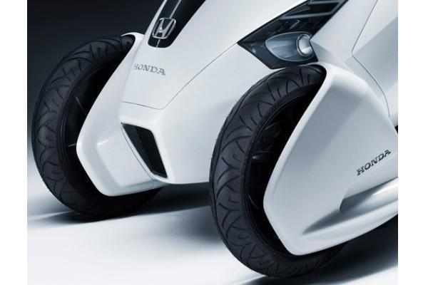 """""""Honda"""" sukūrė vienvietį elektromobilį"""
