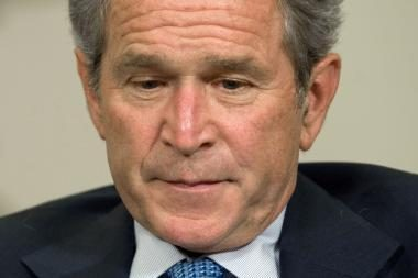 G.Bushas atsiminimuose pripažino savo klaidas