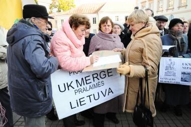Prie prezidentūros vyko protestas dėl padėties Ukmergės šilumos ūkyje