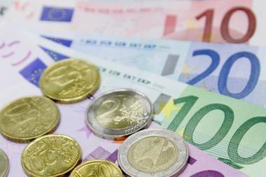 Estija beveik apsirūpino euro kupiūromis ir monetomis