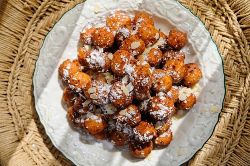 Varškės spurgos su migdolais (originalus receptas)