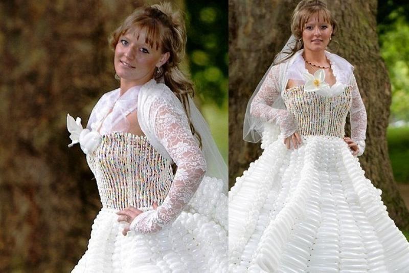 Vestuvinė suknelė iš 5000 balionų