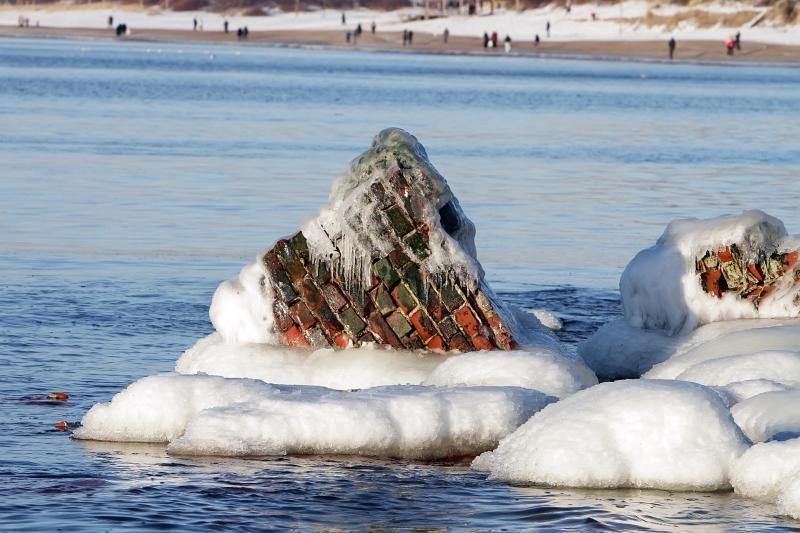 Klaipėdiečiai poilsiadienį leido prie jūros