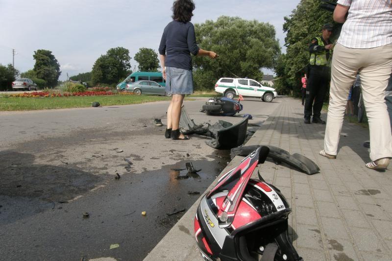 Doviluose per savaitę - antra kruvina motociklo avarija