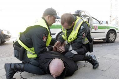 Policijos vadas: skaičiuojama, kiek reikėtų atleisti policininkų, kad galima būtų pakelti algas