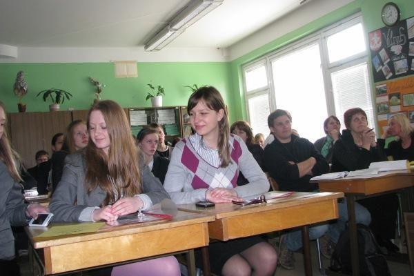 Tiriamuosius Kauno moksleivių darbus vertino universitetų dėstytojai