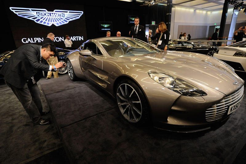 """Turi """"Aston Martin One-77""""? Tai nereiškia, kad esi puikus vairuotojas"""