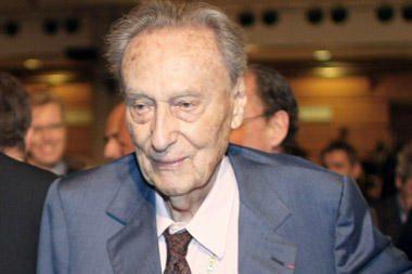 Konjako magnatas Hennessy mirė būdamas 103 metų