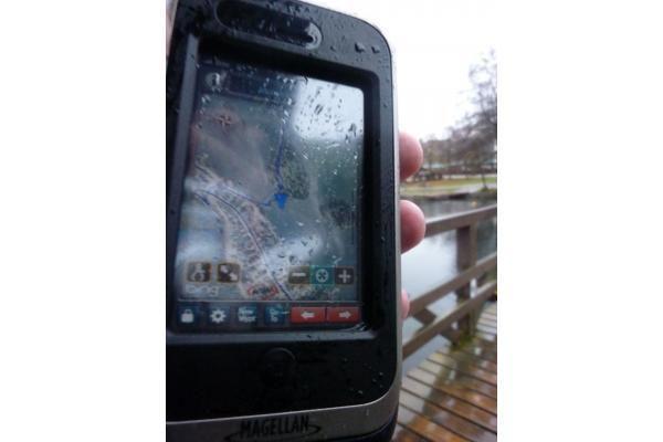 """Pristatytas pirmasis """"iPhone"""" priedas su GPS imtuvu ir apsauga nuo smūgių bei vandens"""