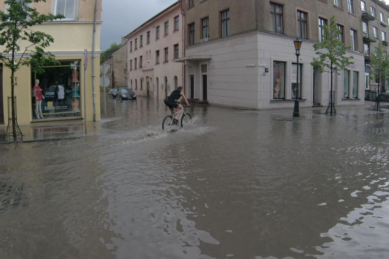 Uostamiestį vėl užklupo stipri vėtra ir lietus (papildyta 21:24 val.)