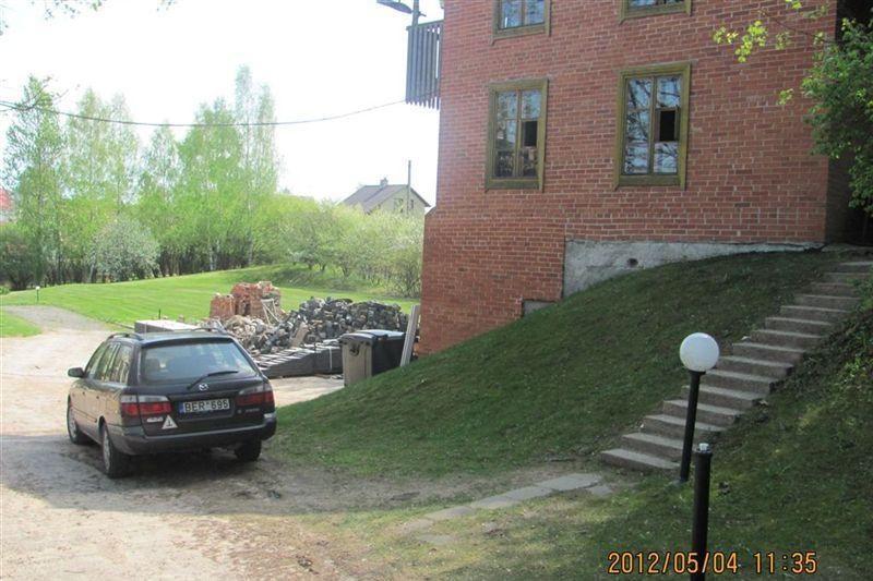 Vilniaus valdžia dėl Gedimino pr. trinkelių kreipėsi į policiją