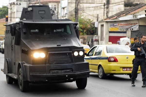Rio de Žaneire ketvirtą dieną siautėja nusikaltėliai