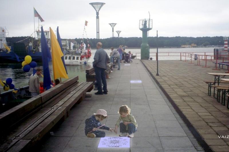 Apie Baltijos jūros kaimynes primins meninės šaligatvio plytelės