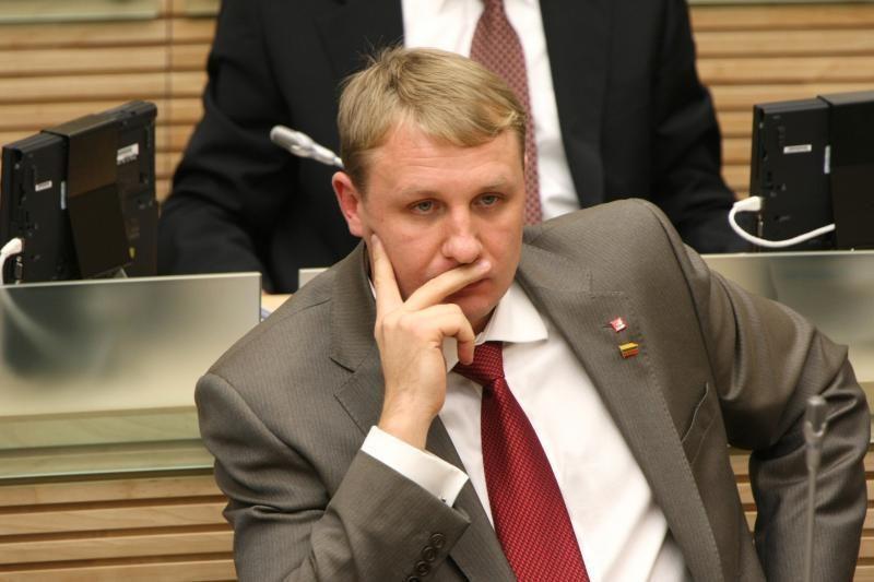 Seimas nepritarė, kad A.Šedžius taptų etikos komisijos nariu