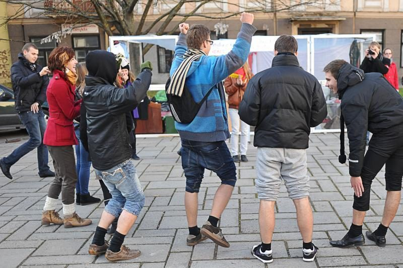 Kaune studentai už simbolinę kainą pirko diplomus