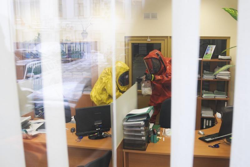 Vilniaus centre rastas vokas su neaiškaus turinio medžiaga
