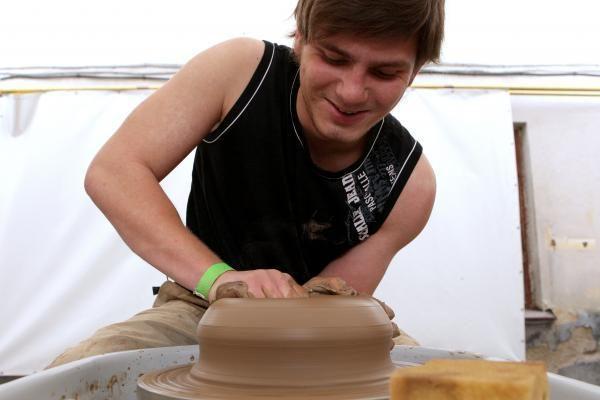 Žiedimo konkurse varžėsi geriausi keramikai
