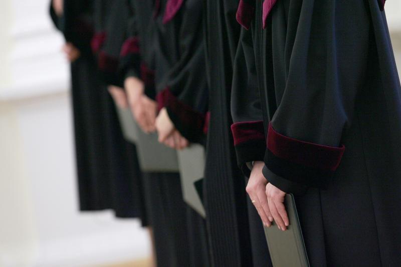Buvę teisėjai bus teisiami dėl korupcijos