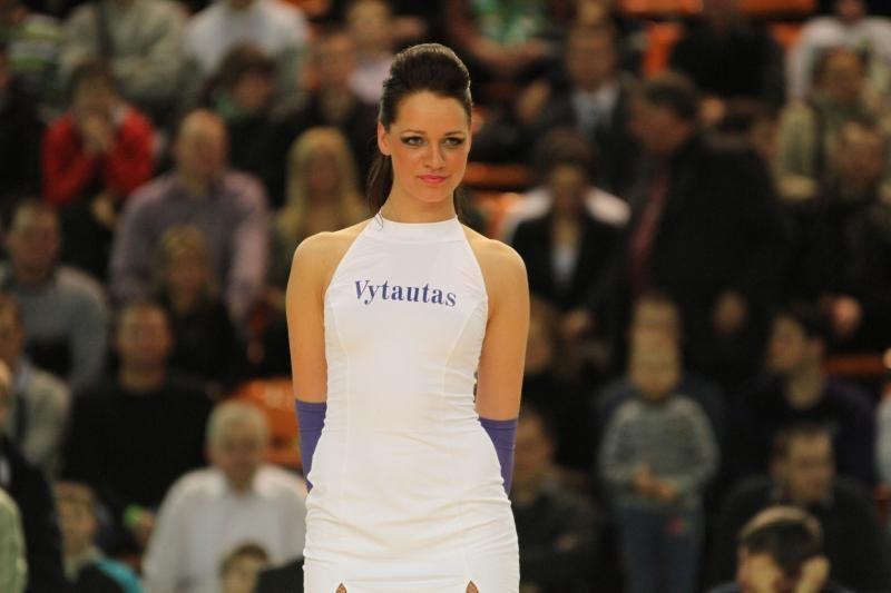 Karštosios krepšinio šokėjos konkurso finale – seksualiausios merginos
