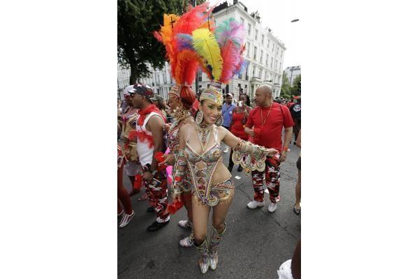 Londone prasidėjo spalvingas gatvės karnavalas