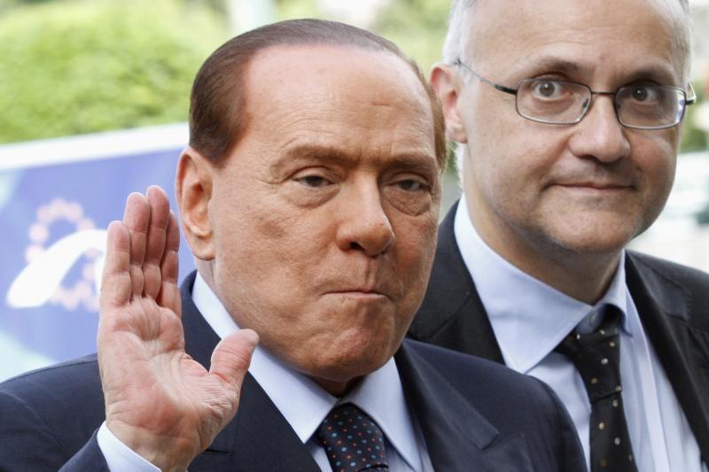 """Italijos premjeras po nuosprendžio S.Berlusconi ragina laikytis """"ramybės"""""""