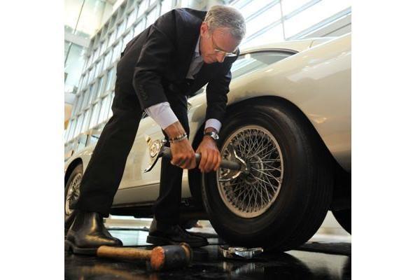 Agento 007 ratai - aukcione